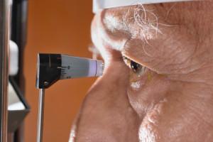Augendruck Bestimmung durch Luftstoß