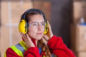 Arbeitsschutzbrille im Einsatz